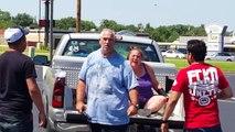 Il frappe sa femme sur un parking mais va vite le regretter