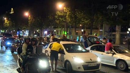 Euro 2016: Les supporters se rassemblent sur les Champs-Elysées