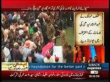 Abdul Sattar Edhi ne apni tamam umer ek hi joda pehan ke rakha ,hata ke apne nikah main bhi wohi joda pehna