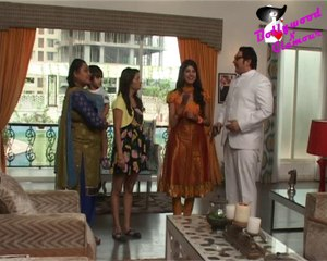 On Location Of TV Serial 'Badi Door Se Aaye Hain'- Sonachandi Loves Alien Samar.wmv