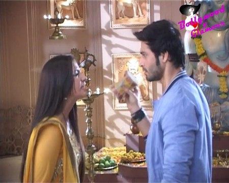 On Location Of TV Serial 'Udaan'- Chakor Denies Divorce To Suraj, Vivaan Upset