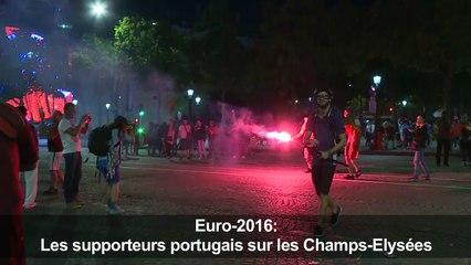 Euro-2016: les supporters portugais investissent les Champs