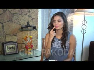 UNCUT: Meenakshi Dixit Profile Interview | CinePakoda