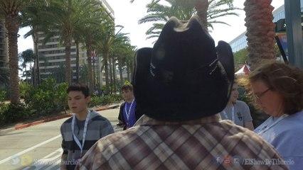 Tiburcio Looking For Fans At VidCon - Tiburcio Adventures