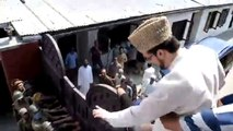 Watch How Mir Waiz umar farooq Climbed his House Door by Dodging Indian Army and then was Arrested