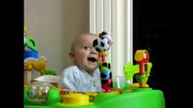 Bebes chistosos - videos de bebes graciosos - videos de risas de bebes (parte 2)