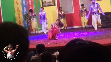 Watch Kismat Baig hot mujra dances in Lahore