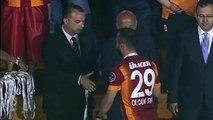 Wesley Sneijder bir şey söyleyecek şşş Fener Ağlama HD
