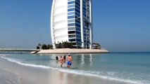 23. ОАЭ. Дубай. Jumeirah Beach Hotel. Пляж. Видео Павла Аксенова