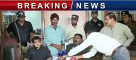 """Qandeel Baloch brother waseem arrested & claim he killed her for """"HONOUR"""" 