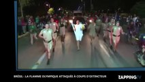 Brésil : Un homme tente d'éteindre la flamme olympique à coups d'extincteur