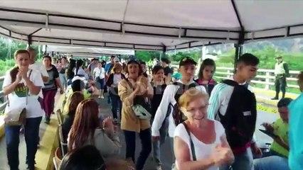 Comienza flujo de venezolanos en frontera hacia Colombia