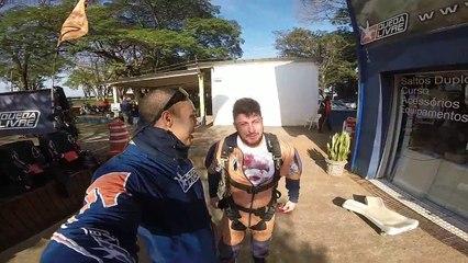 Salto de Paraquedas do Vitor M na Queda Livre Paraquedismo 25 06 2016