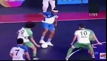 Ronaldinho Fantastic Skill and Nutmeg India Premier Futsal Bangalore Vs Goa _ Scholes vs Ronaldinho