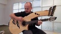 Cette guitare est aussi une Basse ou une Harpe.. Enorme instrument !