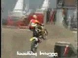 il font des figure avec leur moto