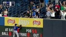 Gregorius belts a walk-off two-run home run