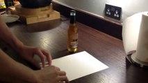 Ouvrir une bouteille de bière avec une feuille de papier