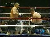Jerome Le Banner se prend un KO de raccroc