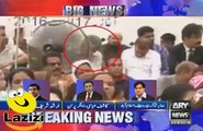 The Moment When Altaf Hussain Was Giving Hate Speech and Farooq Sattar War Cursing Him