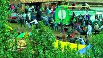 Touros atacam multidão de pessoas