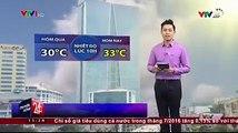 Hiện tại ngoài trời thủ đô Hà Nội nắng đang mạnh, không khí mỗi lúc một nóng dần lên. Dự báo trong trưa và đầu giờ chiều nay, nhiệt độ sẽ tiếp tục tăng thêm, lên 37 độ, cảm giác oi nóng, rất khó chịu.