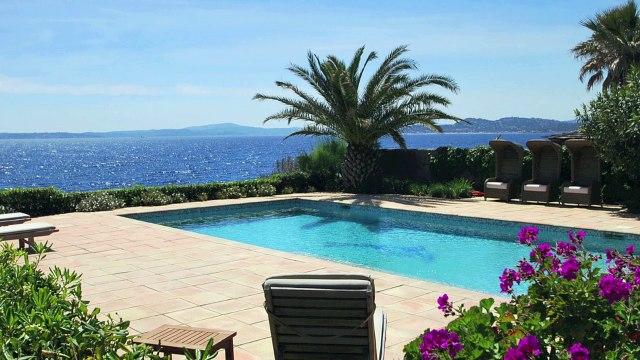 Vente VILLA aux Issambres 83380 - Vue Mer panoramique sur la baie et village de Saint Tropez