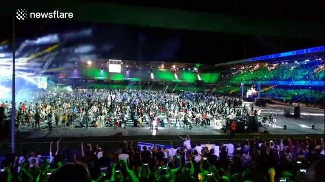 Over a thousand musicians gather 'Smells Like Teen Spirit'