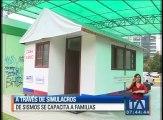 A través de simulacros de sismos se capacita a familias