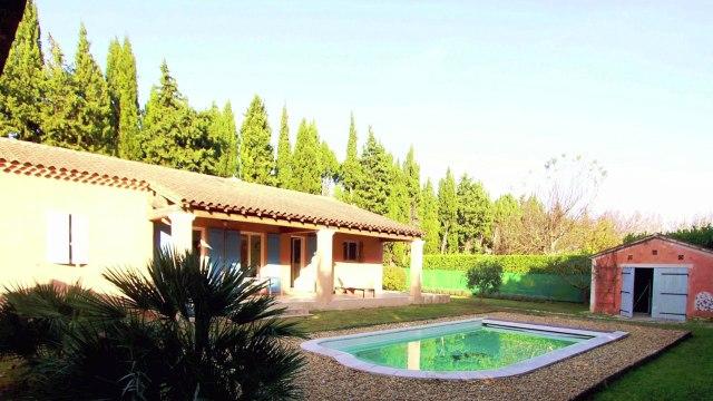 Proche Saint Rémy de Provence A VENDRE VILLA de plain pied 125 m²  sur terrain de 1200m² avec Piscine