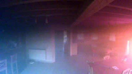 [Partie 2] Une maison prend feu mais est sauvée grâce à une caméra de sécurité