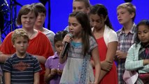Dios usa a niña en iglesia de estados unidos y Profetiza