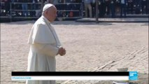 Pologne : en silence, le pape François rend hommage aux victimes de l'ancien camp d'Auschwitz-Birkenau