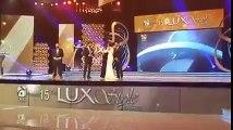 Fawad Khan drops & breaks Lux Style Award trophy – Video Leaked