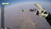 Sans parachute, un cascadeur fait un saut en chute libre de 23 000 pieds !