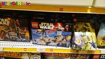 Disney Star Wars LEGO & Kids making Mini Figures Toys in Lego Store Japan