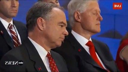 Bill Clinton se duerme durante discurso de Hillary Clinton