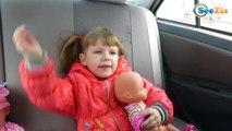 Кукла Baby Born и Ника. Поход в бассейн - обзор надувной лодочки. Видео для детей. Baby Born Doll