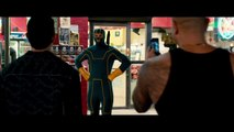 KICK-ASS 2 : Kick Ass Has Grown into a Man !