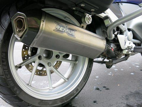Remus Titanium Hexacone Exhaust for BMW R1200RT-LC Review - Moto Mouth Moshe Episode #10