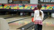 Le lancer de bowling le plus fou : gros suspens!