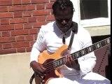 Bisou Bass, Makossa sur la 5 cordes (Cameroun)