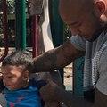 Booba apprend à son fils à dire des gros mots