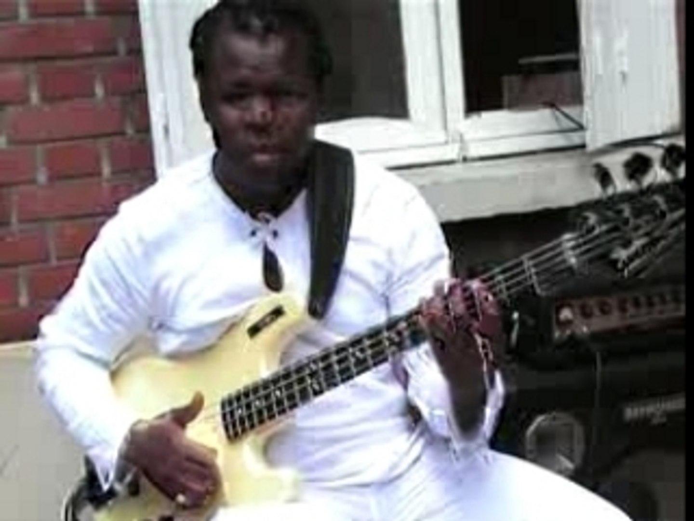 Bisou Bass, solo Bass with body slap (CAMEROUN)