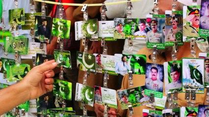 Raheel Sharif — the new poster boy for Aug 14 paraphernalia?