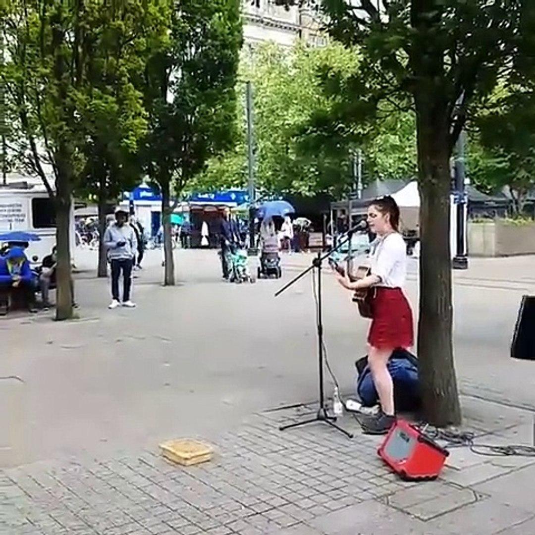 Watch singer Seal Join Street Musician For duet in manchester 2016