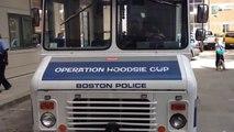 Un camion de glace transformé en camion de police à Boston