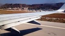 Decollo aereo Ryanair visto dal finestrino del passeggero aeroporto greco isola di Creta aeroporto Chania (nord ovest)