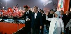 En Turquie, Erdogan soutenu par des centaines de milliers de personnes