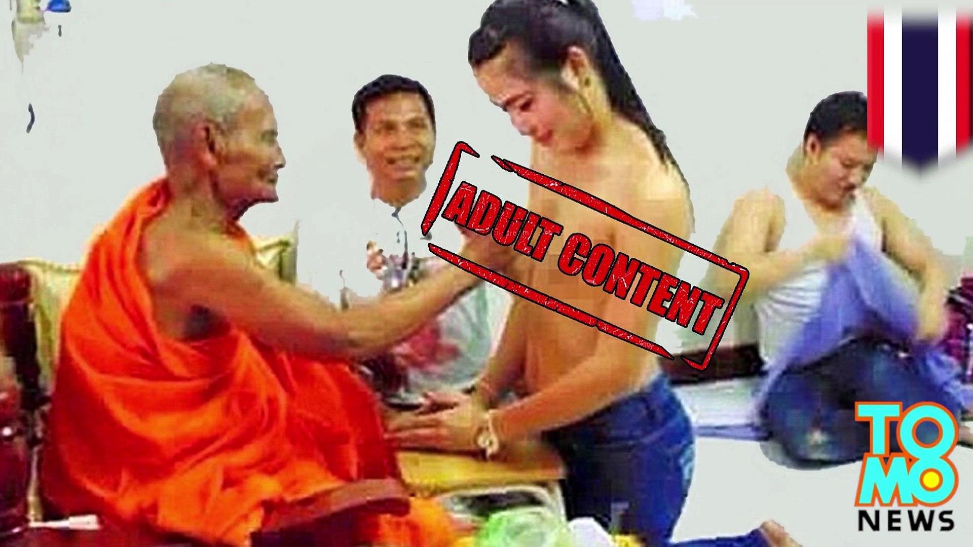 Biksu menyentuh payudara wanita yang ternyata Ladyboy - Tomonews